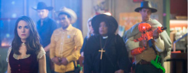 """Community """"A fistfull of paintballs"""" y """"For a few paintballs more"""" (S2E23/24)"""